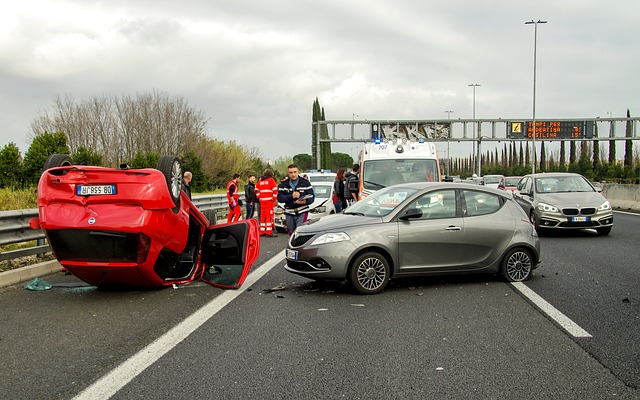 wypadek na autostradzie A4. Pomoc drogowa K-hol już w drodze.